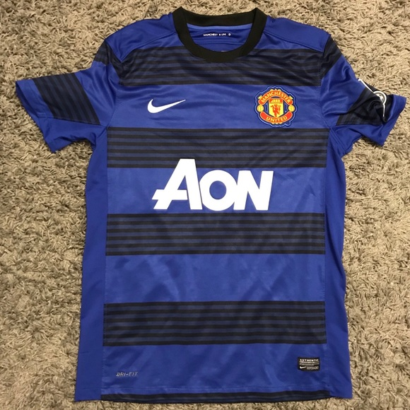 4733803cce1 Chicharito Manchester United Away Jersey 11-12. M 5c0cce1212cd4a72f14d19f3